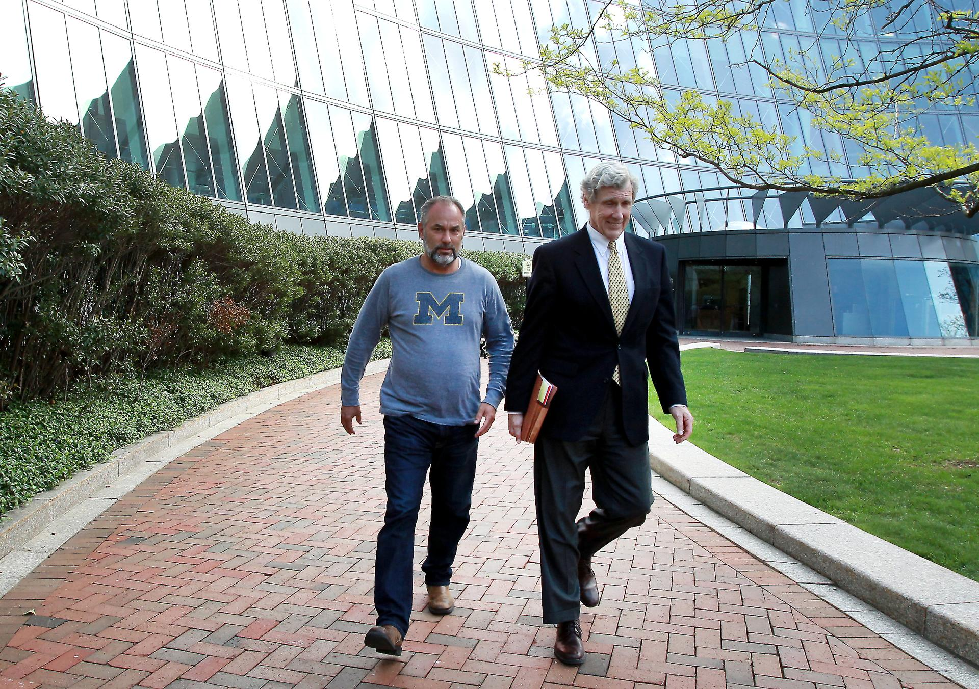 mcdonnell college thesis The controversy over bob mcdonnell's 1989 graduate thesis has put the gop candidate on the defense but democratic voter fatigue may keep his rival from getting ahead.